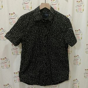 American Eagle Short Sleeve Button-Up